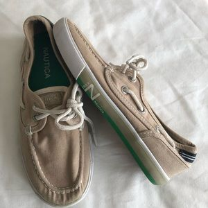 Nautica Boys Shoes Sz 2